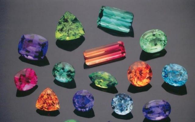 Thế giới các loại đá quý hiếm nhiều màu